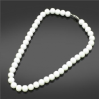Pearl effect necklace (Code 2073)